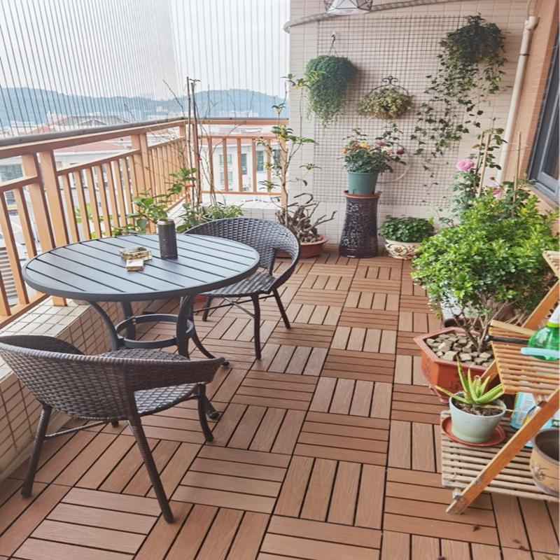 Balcony decking tile