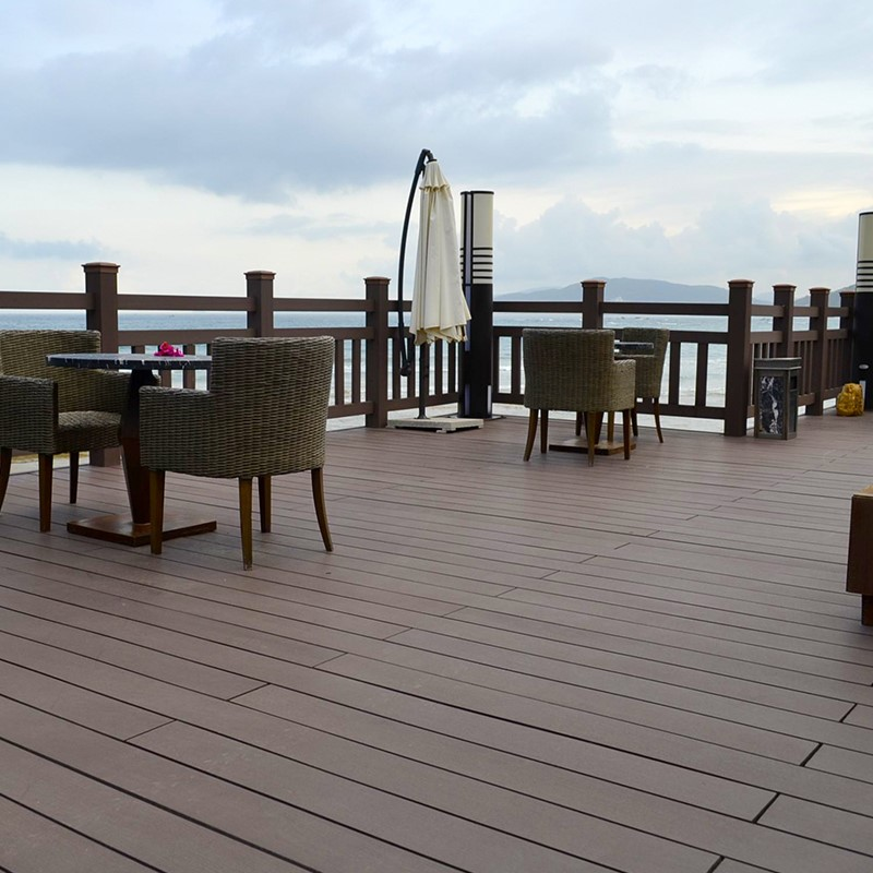 Outdoor composite deck board