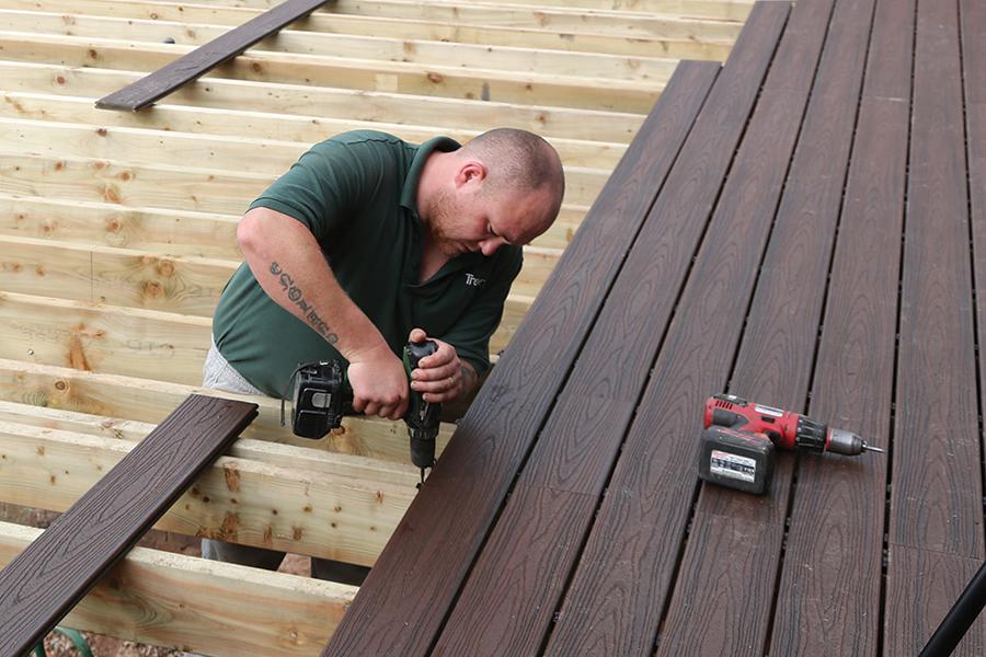 composite decking-installer (1)