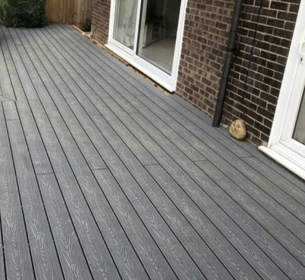 wood grain wpc deck in Germany